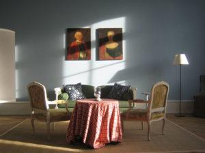 Blauer-Saal-Sofa